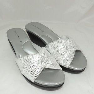 Bandolino Women's Yeva FB Wedge Sandal sz 8.5